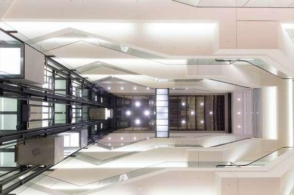 Shopbeleuchtung: Einkaufszentrum Boulevard, Berlin (Licht Kunst Licht AG), Foto: Dimitrios Katsamakas (delta-kapa)