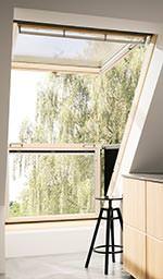 neues cabrio dachfenster von velux mehr licht mehr sicht. Black Bedroom Furniture Sets. Home Design Ideas