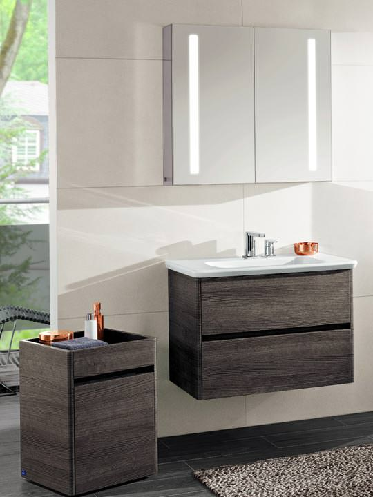 vivia villeroy bochs neue badkollektion stellt die dusche in den mittelpunkt. Black Bedroom Furniture Sets. Home Design Ideas