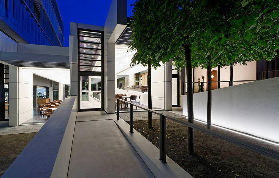 lichtdesign preis 2015 b ro und verwaltung f r wgv. Black Bedroom Furniture Sets. Home Design Ideas