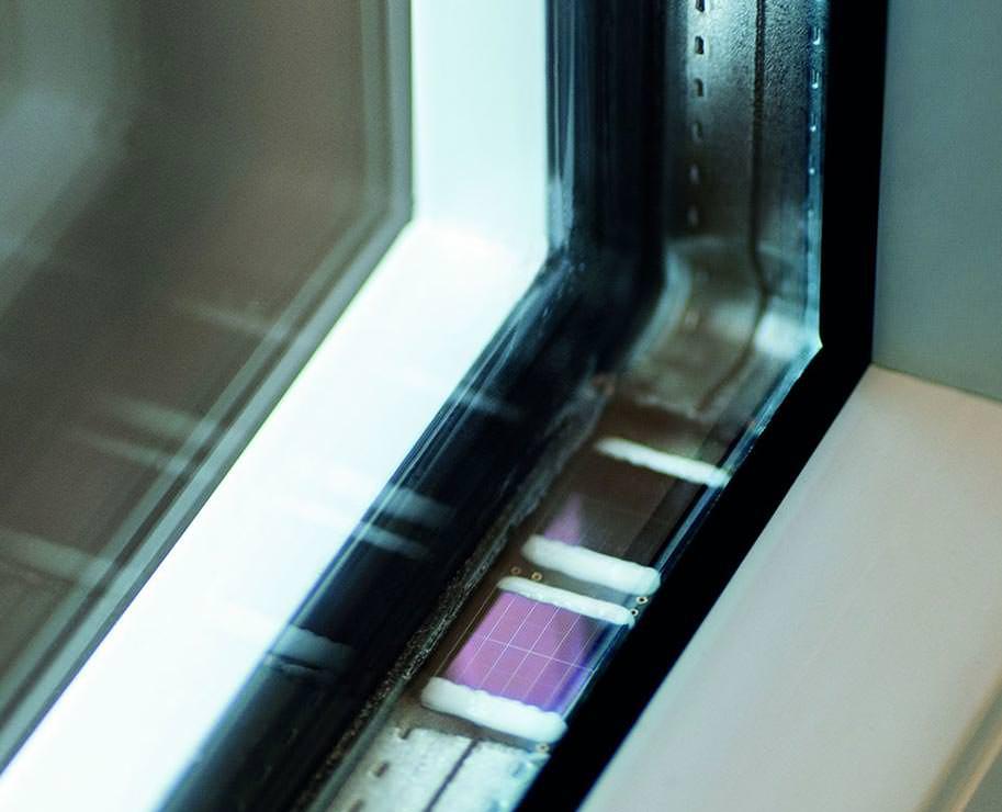 fingernagelgro er sensor funkchip mit solarzelle soll fenster berwachen. Black Bedroom Furniture Sets. Home Design Ideas