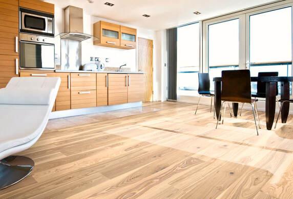 esche die neue eiche bei hain. Black Bedroom Furniture Sets. Home Design Ideas