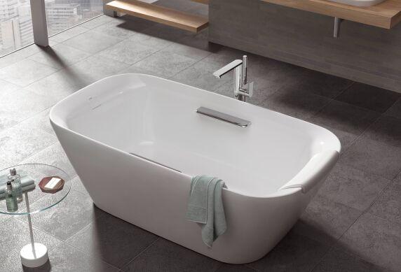 beheizbare badewanne top beheizbare badewanne fr drauen. Black Bedroom Furniture Sets. Home Design Ideas