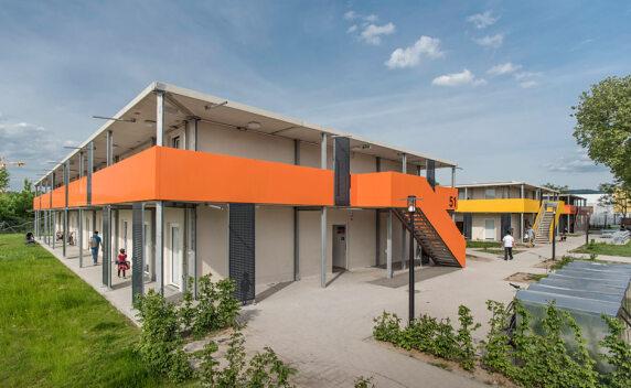 Flüchtlingsunterkunft in Bad Cannstatt: In 3 Monaten fertiggestellt in Modulbauweise.