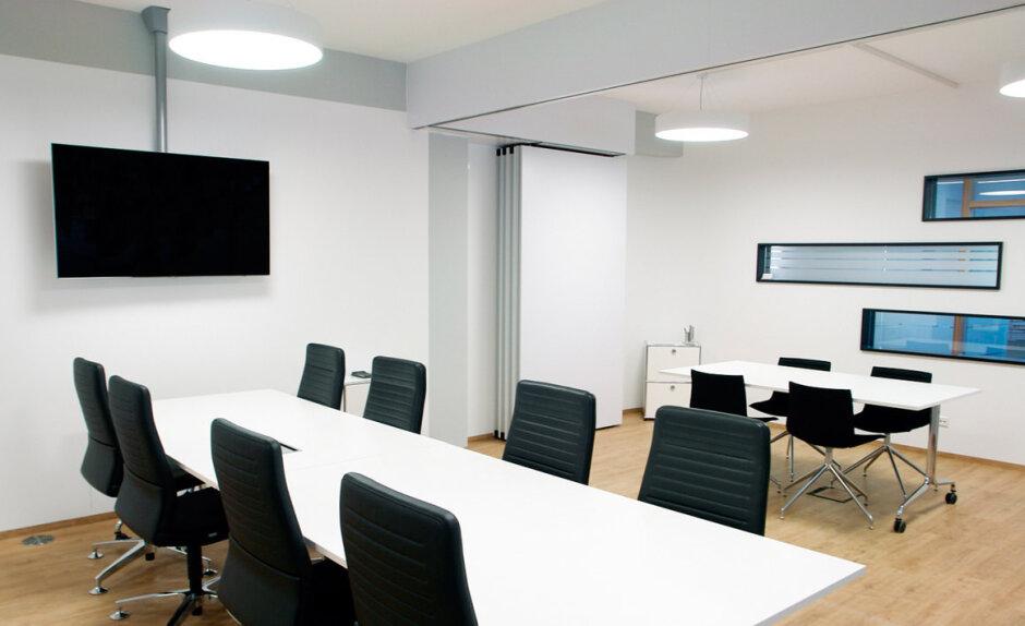 aufmerksamkeitsstarke architektur und gute luft f r steuernde und pr fende k pfe. Black Bedroom Furniture Sets. Home Design Ideas