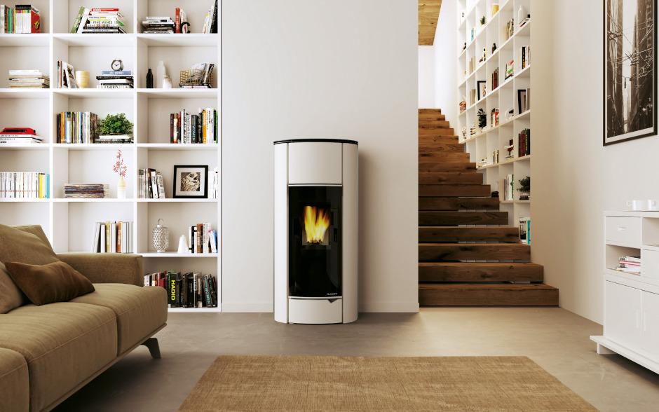 pelletofen auf italienisch und per smartphone fernbedienbar. Black Bedroom Furniture Sets. Home Design Ideas