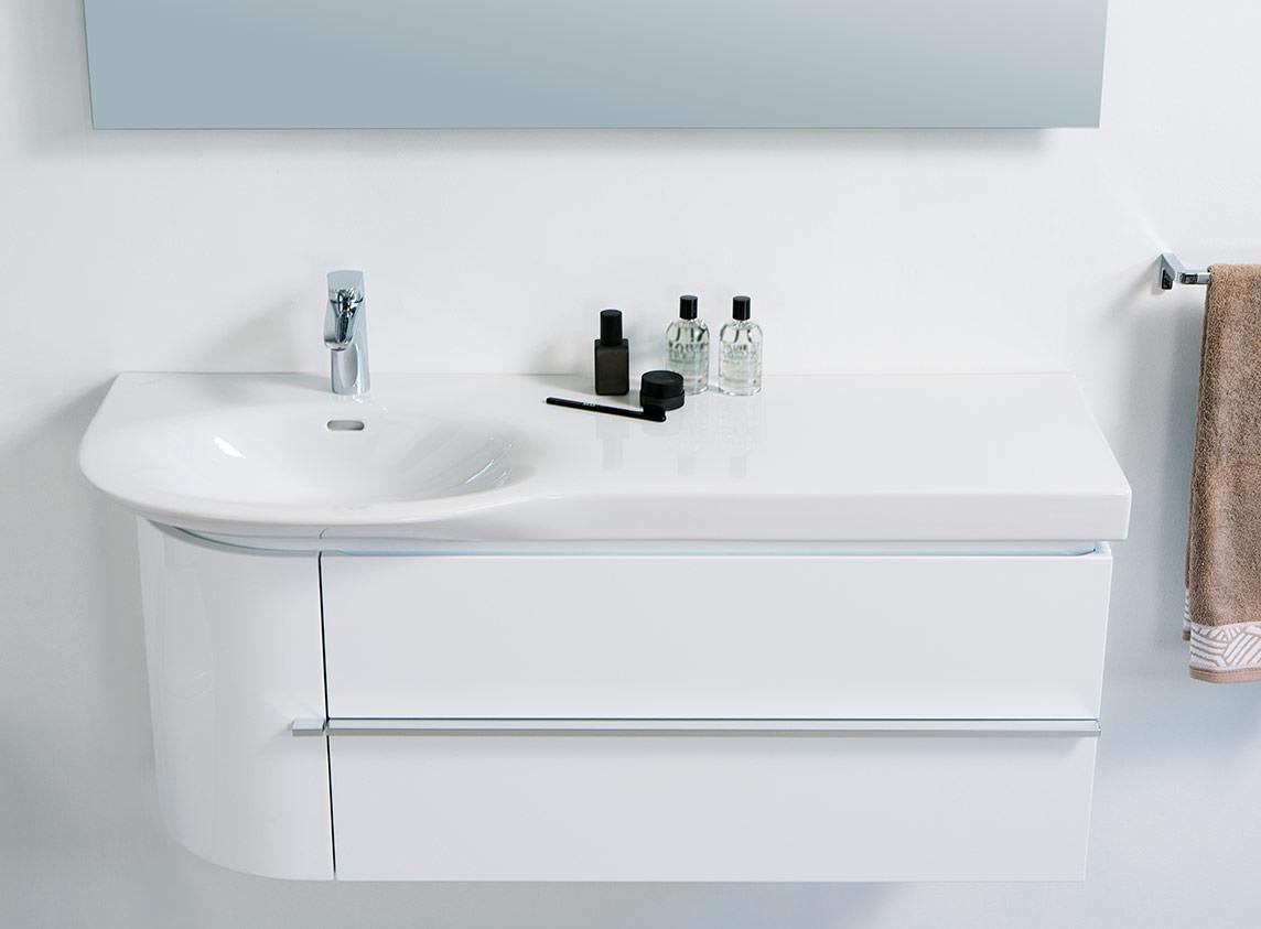 palace neue asymmetrische waschtische von laufen mit. Black Bedroom Furniture Sets. Home Design Ideas