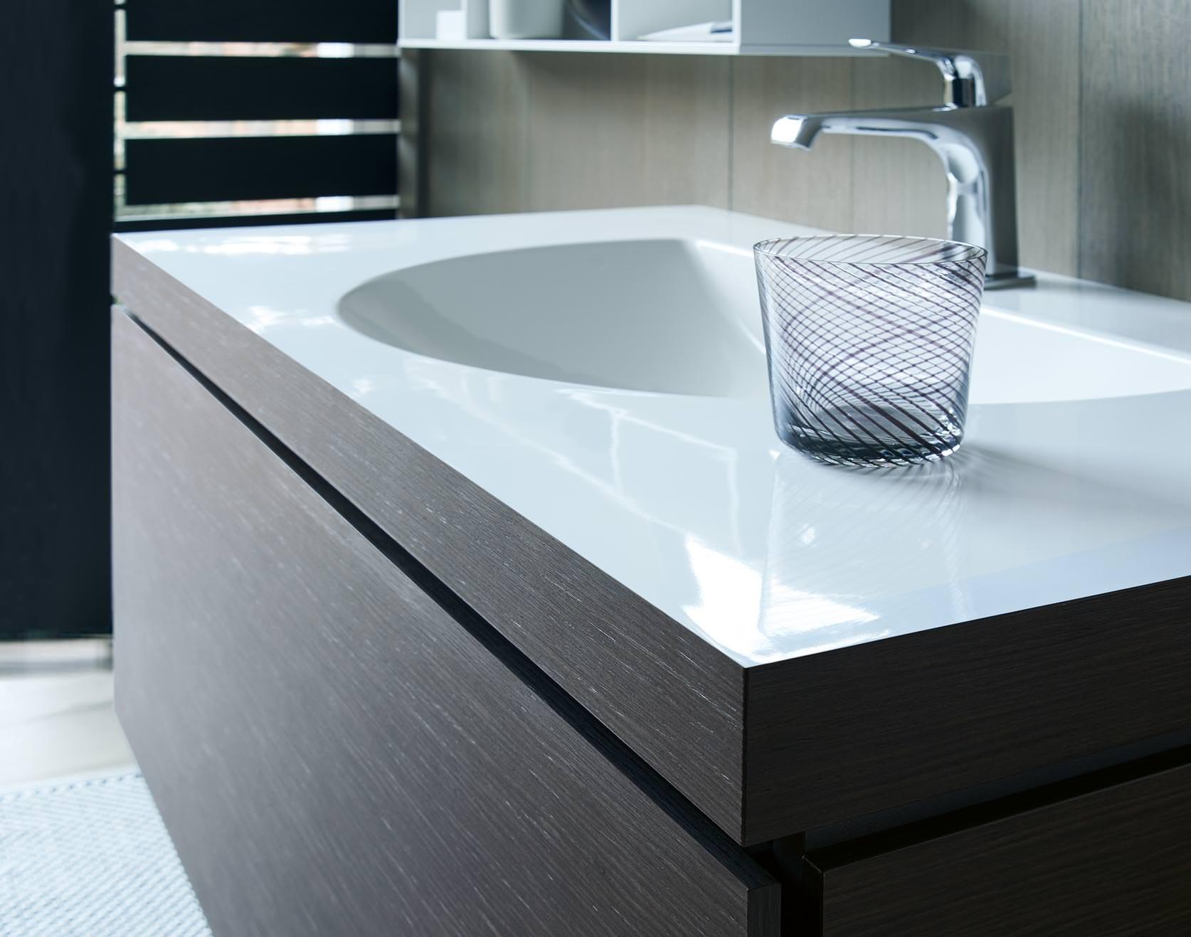 c bonded nahtlose verbindung von keramik waschtisch und. Black Bedroom Furniture Sets. Home Design Ideas