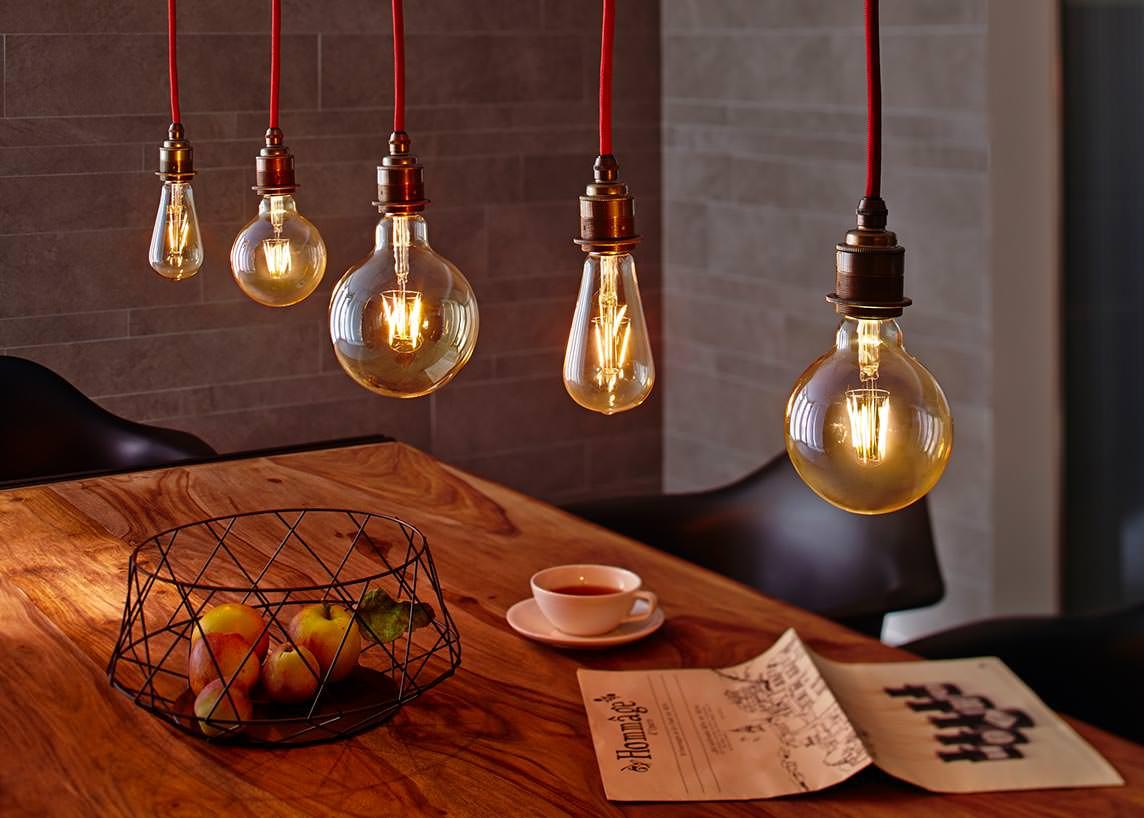 vollglas led lampen im retro look dank led filamenten. Black Bedroom Furniture Sets. Home Design Ideas