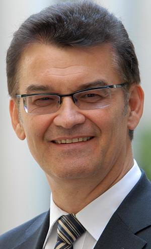 """Dr. Ronald Rast, Koordinator der Aktion """"Impulse für den Wohnungsbau"""""""