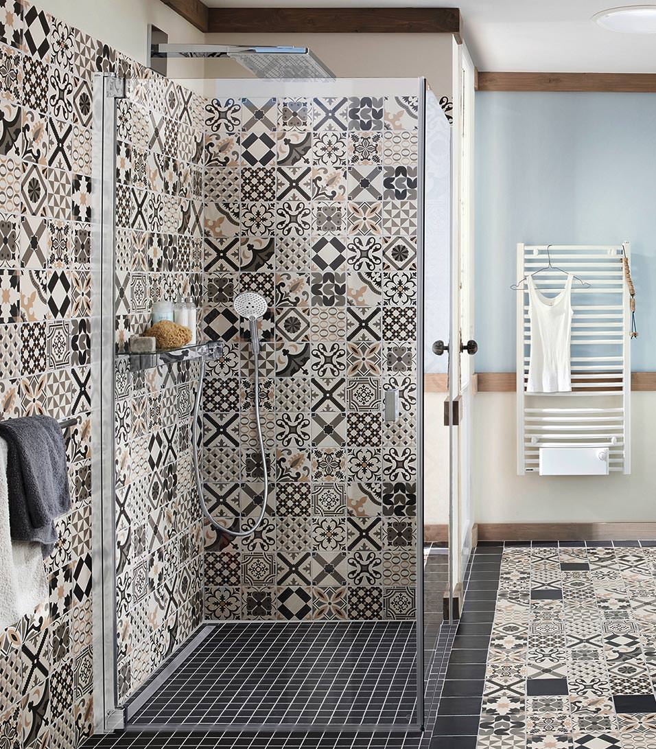 was tun wenn 39 s in der walk in dusche ungem tlich zieht. Black Bedroom Furniture Sets. Home Design Ideas