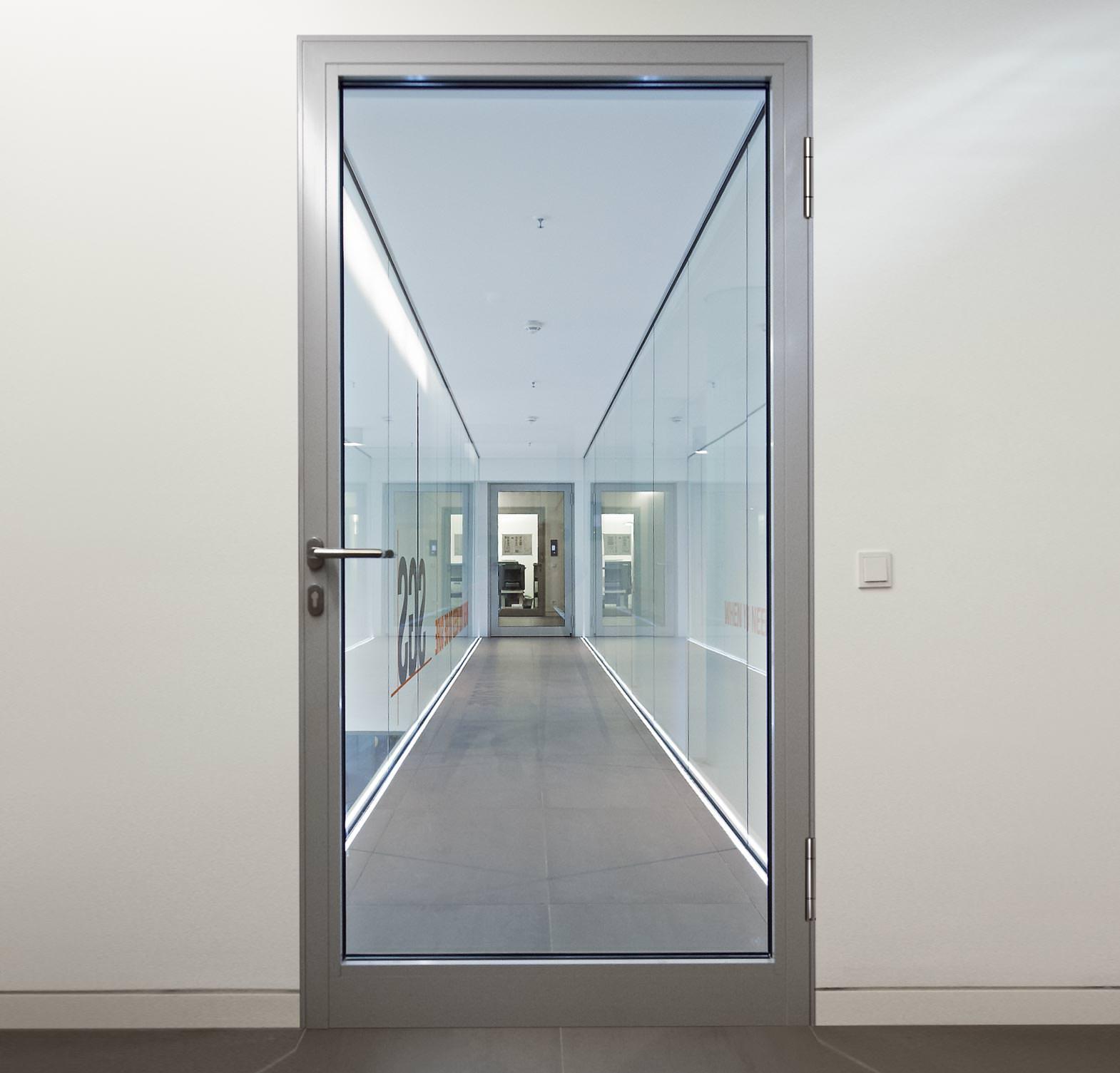 spiegellose aluminium zarge von h rmann f r gr tm gliche. Black Bedroom Furniture Sets. Home Design Ideas
