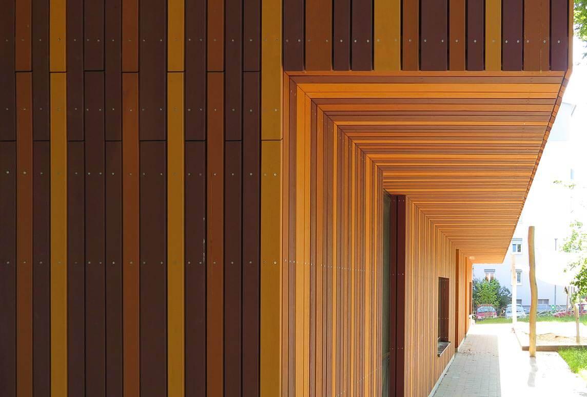Holzfassade Schwarz jugendhaus mit dreifarbiger holzfassade in stuttgart und 20