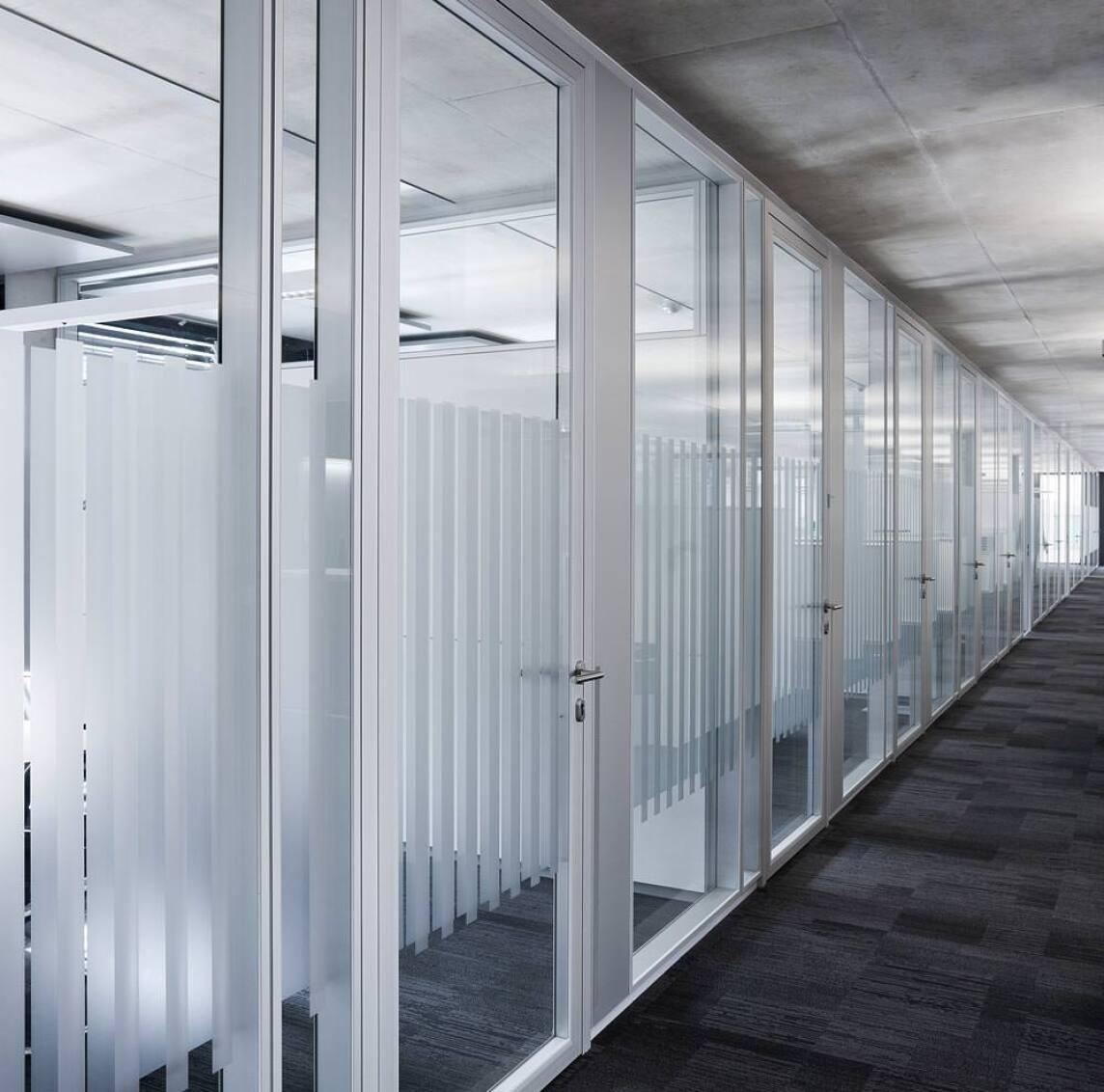 flächenbündige Alurahmen-Glas-Tür A75 von Feco