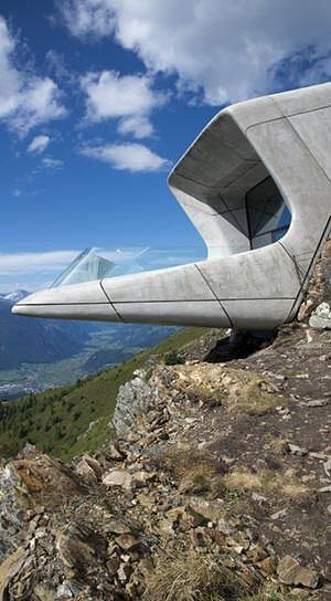 Glasbalkon: Messner Mountain Museums - MMM Corones