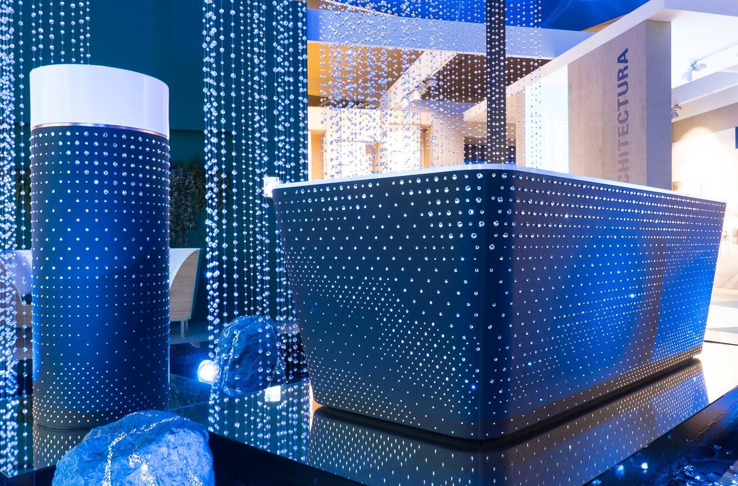 elegantes freistehende badewanne villeroy und boch bilder. Black Bedroom Furniture Sets. Home Design Ideas