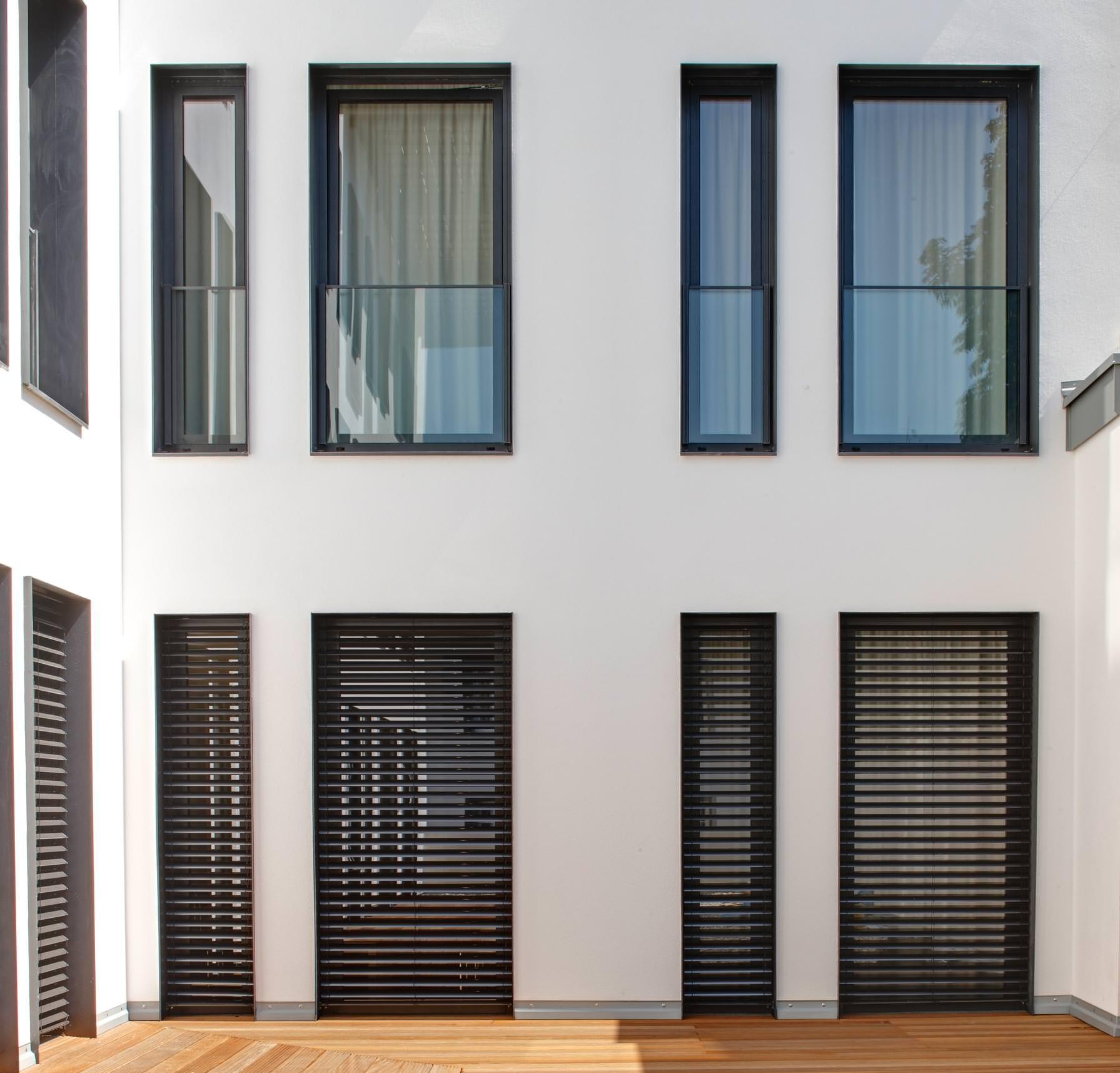 sch co erweitert sein automotivefinish farbkonzept f r kunststoffprofile. Black Bedroom Furniture Sets. Home Design Ideas