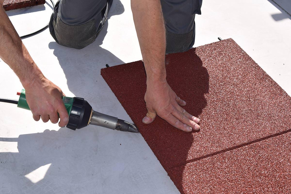 Asphalt Fußbodenplatten ~ Weiterentwickelte u201ekraitec step roofu201c platten für wartungs und