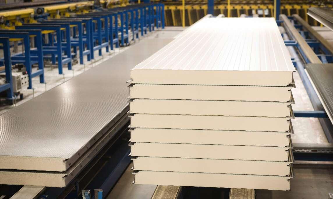 Sandwichpaneele für die Bauindustrie im Biomass Balance Verfahren produziert