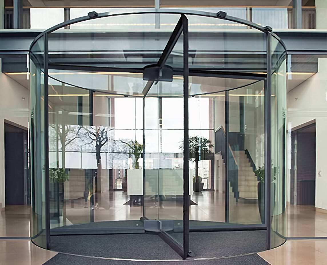 Ganzglas-Karusselltür
