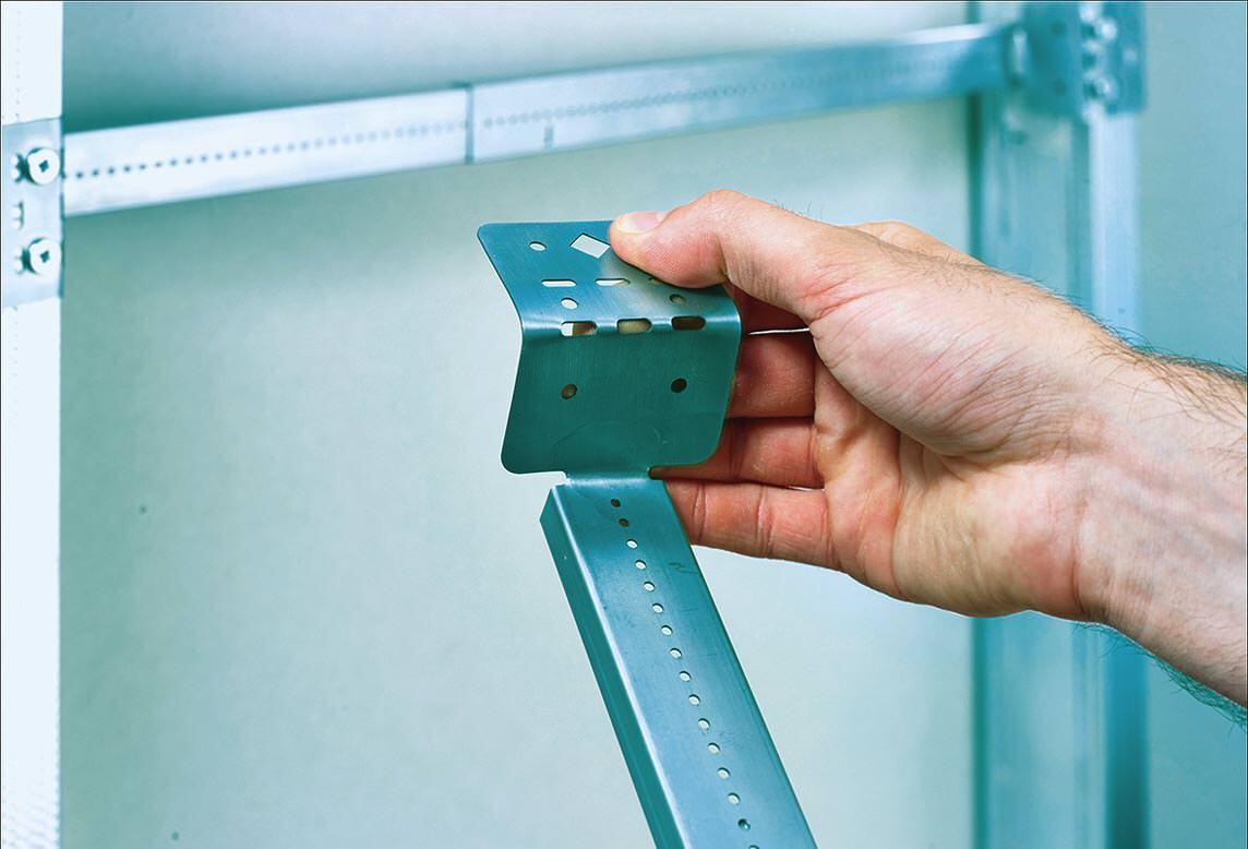 3/3 Die Endlaschen können gemäß der baulichen Anforderung geformt werden.