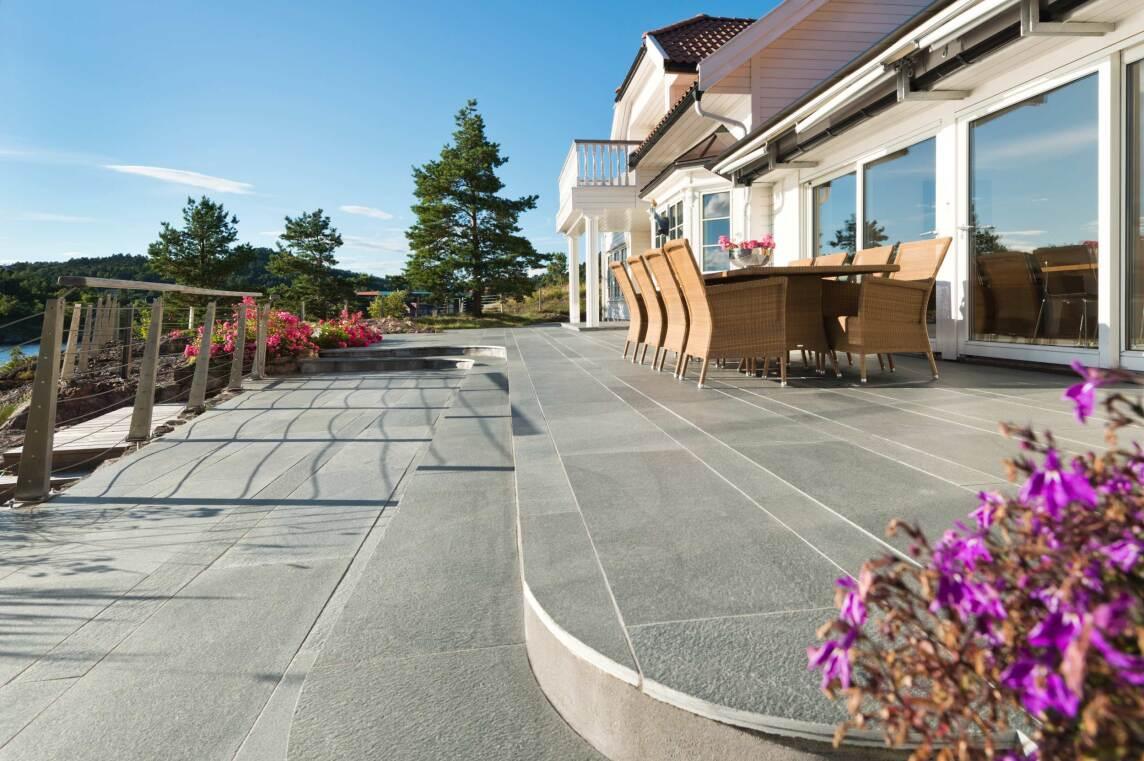 6/10 Wegeplatten, Bruchstein-Mauerwerk und Stufensteine aus RocaNEX RX 34 Oppdal Quarzit