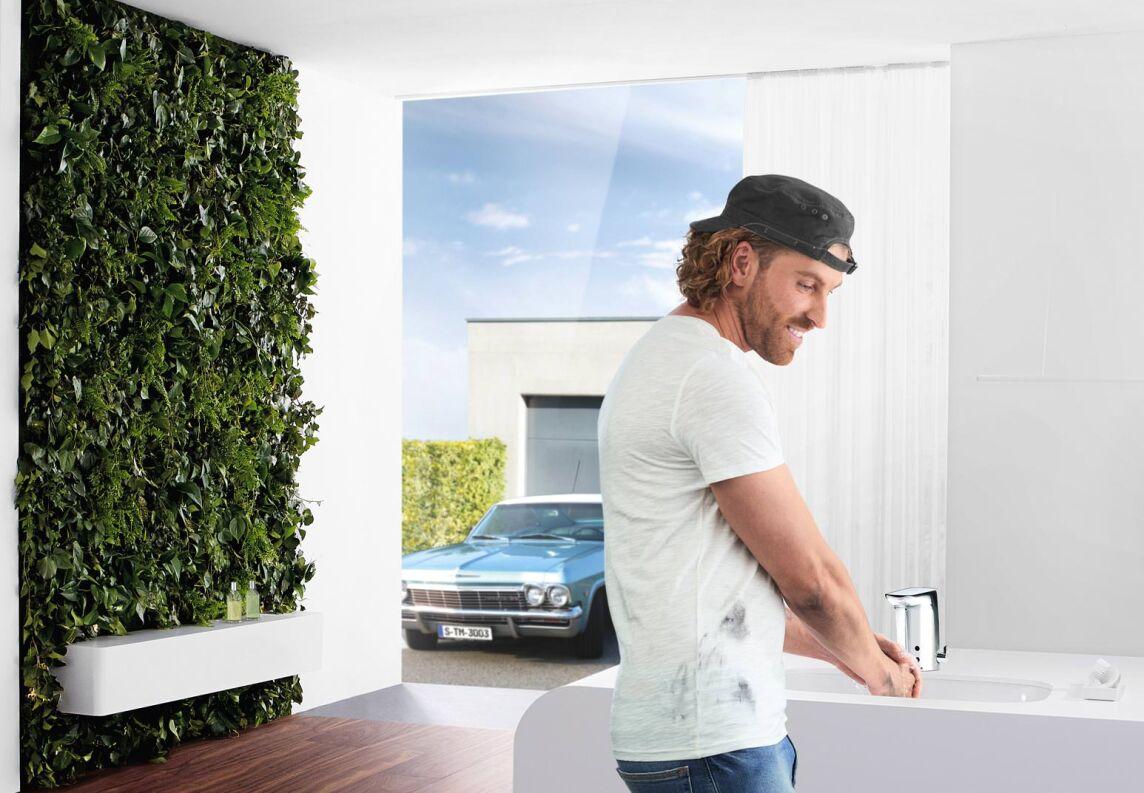 everyday magic hansa pl diert f r sensor armaturen in privaten b dern und k chen. Black Bedroom Furniture Sets. Home Design Ideas