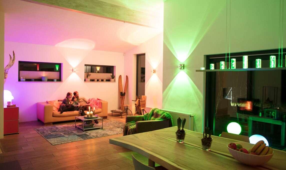 q von paul neuhaus f r den komfortablen einstieg in die smarte wohnbeleuchtung zigbee leuchten. Black Bedroom Furniture Sets. Home Design Ideas