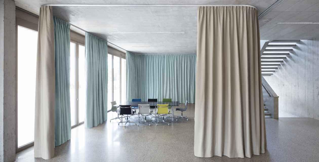 Süß Vorhang Als Raumteiler Bild Von Wohndesign Dekorativ
