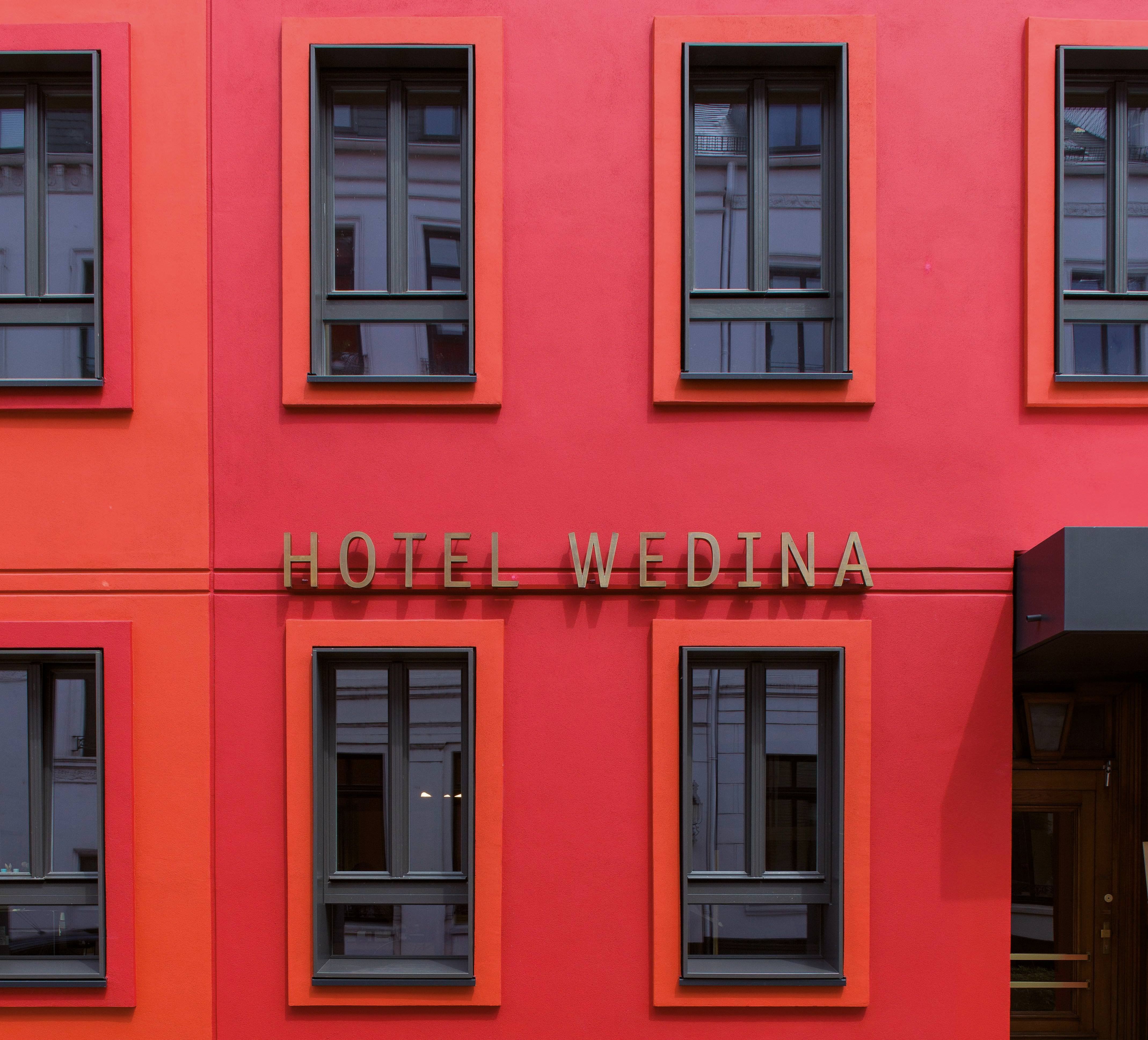 neuanfang f r das hamburger hotel wedina mit corbusier farben. Black Bedroom Furniture Sets. Home Design Ideas