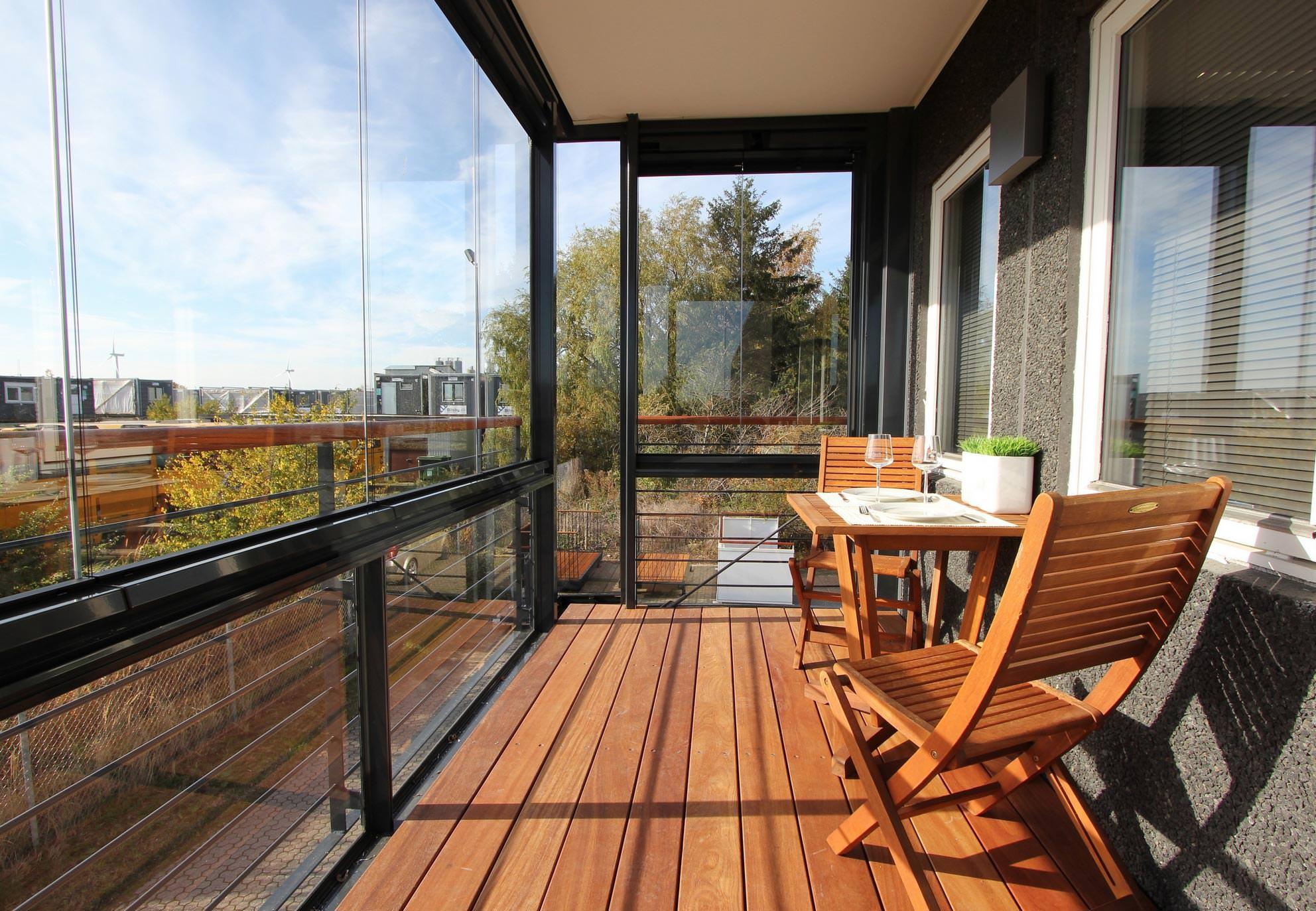 faltfenster faltfenster detail aufhngung oben oder unten mit flgeln die nach auen oder nach. Black Bedroom Furniture Sets. Home Design Ideas