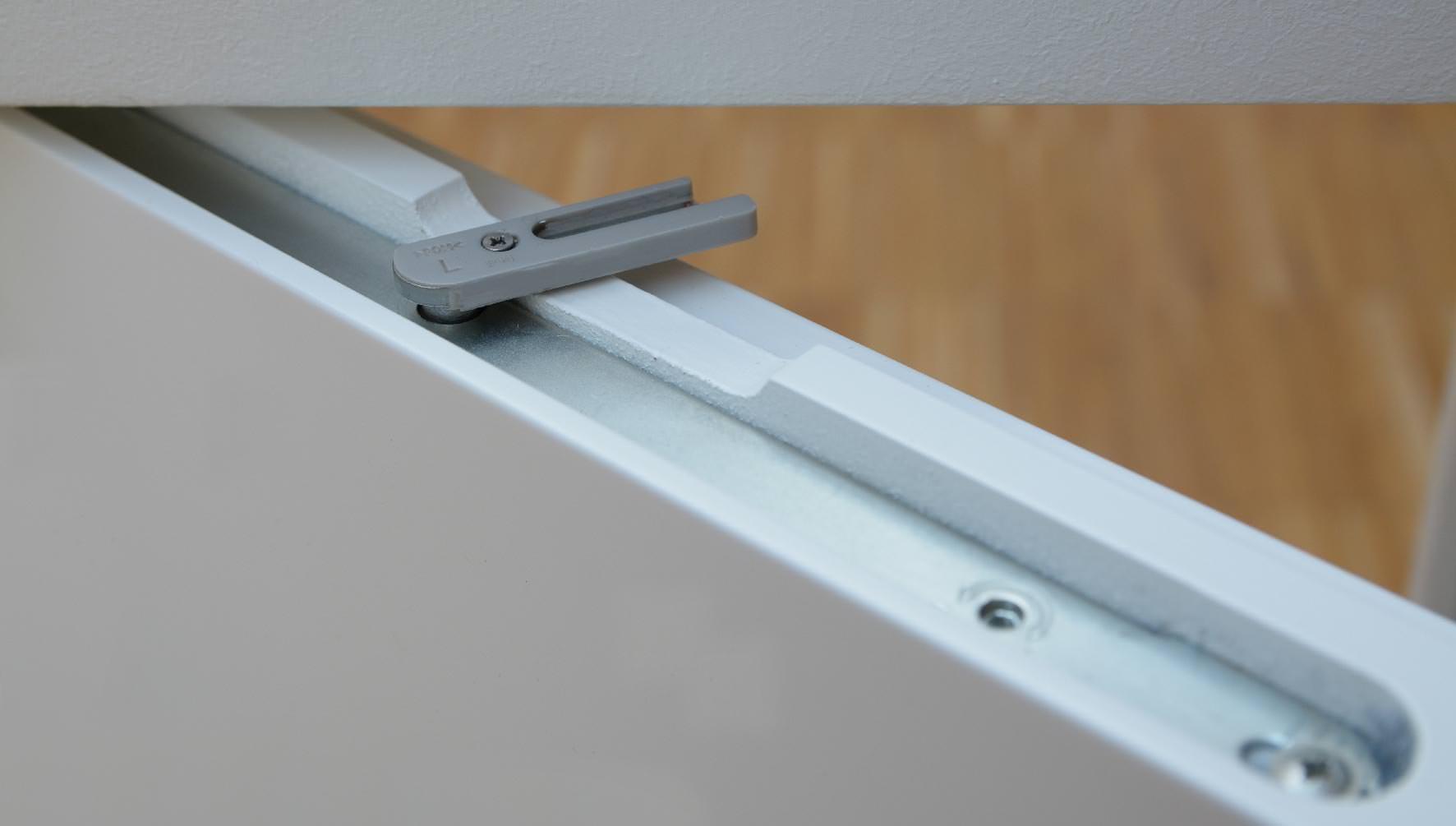 Wingburg ergänzt seine Zargen für wandbündige Drehflügeltüren um integrierten Einzugsdämpfer