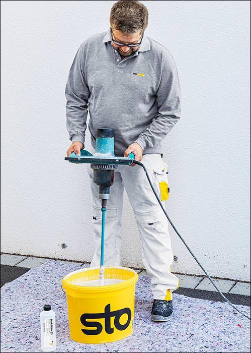 StoAdditiv QS: Trocknungs-Turbo für Fassadenfarben schafft Sicherheit bei kühlem Wetter