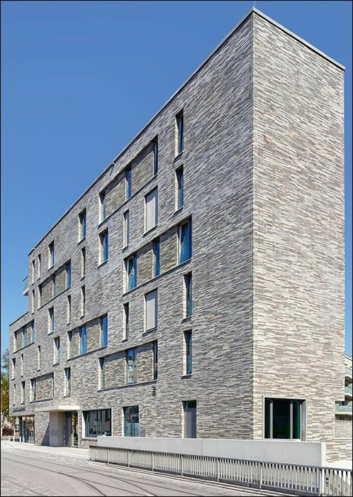 Zeitgenössische Klinkerfassade für nachbarschaftliches Wohnquartier in Nürnberg