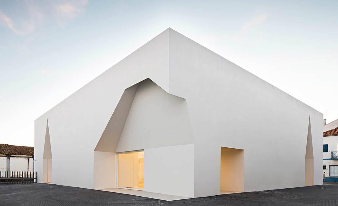 Sieger Kategorie Neubau: Meeting Centre in Grândola, Aires Mateus Architects, Lissabon (Foto © Nelson Garrido)