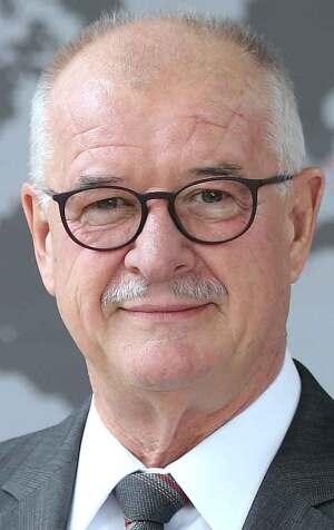 Dr. Eckhard Keill (Alleinvorstand der Roto Frank Holding AG)