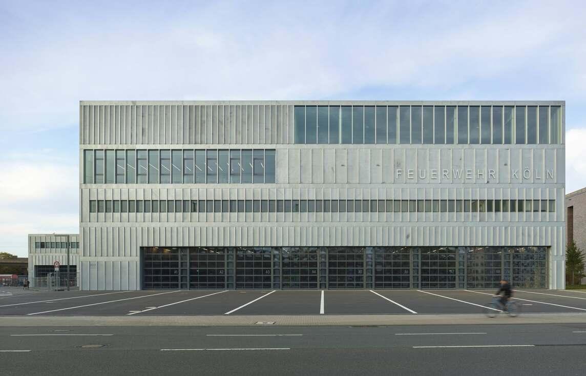 Feuerwehrzentrum Köln (Foto © Roland Halbe)